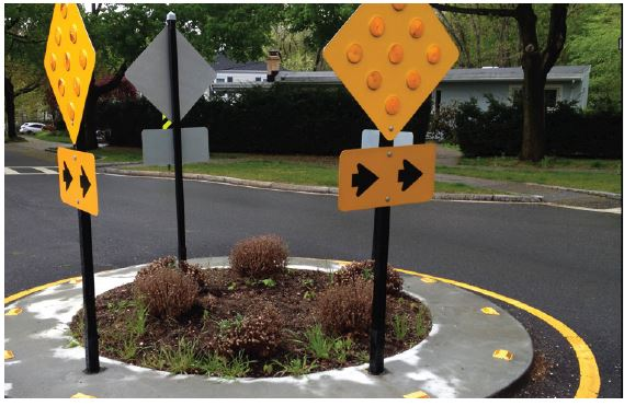 Neighbourhood Roundabout (Traffic Circle). Image from NACTO